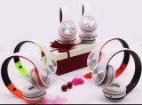 Populairste Hoofdtelefoon Bluetooth met MP3 Draadloze Hoofdtelefoons van de Speler van de FM de Radio voor het Lopen
