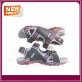 Sapatas ocasionais das sandálias dos homens confortáveis