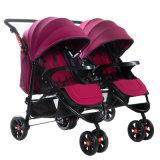 二重シートの子供のベビーカーか手押車または赤ん坊の手押車