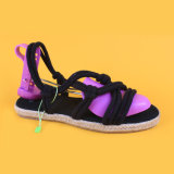 Таким образом женщин Lace Up стиле плоские сандалии Espadrille черного цвета
