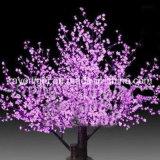 LEDは通りまたは庭の装飾のためのチェリーのヤシの木の白をつける