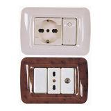 Por exemplo, Venda a quente em Fábrica na Série Italiano Módulo 3 Interruptor de parede