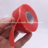 Peças da bicicleta do reparo da mangueira que envolvem a fita adesiva do silicone