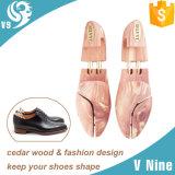 Los buenos tubos del gemelo del cuidado de los zapatos diseñan el árbol de madera del zapato del hombre