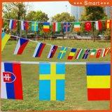 En plein air décoratifs fanion porte les drapeaux sur chaîne de caractères
