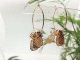 3 parti dell'ananas di figura della lamina di metallo della frutta dell'orecchino dell'ornamento con il cerchio nel bottaio dell'oro solido