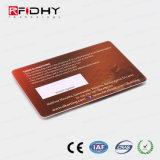 O cartão de membro de RFID de tamanho personalizado com painel de assinatura