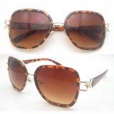 2016 lunettes de soleil de mode de femmes en verre de Sun