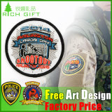 Usine Sales Custom Woven Embroidery Insignia/Badge pour l'uniforme scolaire