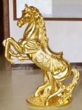 Het gouden Standbeeld van het Beeldhouwwerk van het Zandsteen van de Stijl van het Paard voor de Decoratie van de Tuin