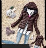 Chaqueta de invierno acolchada de algodón con capucha