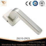 ヨーロッパの大きいタイプドアハンドル亜鉛合金の空のドアのレバー