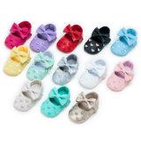 Zapatos suaves de la PU del bebé colorido con Bowknot encantador grande