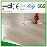 suelo chispeante V-Biselado CE del laminado de la superficie el repujado de 8m m Eir