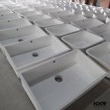 販売のための白い人工的な石造りのホテルの浴室の洗面器
