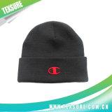 Подгонянные акриловые Cuffed связанные шлемы спорта зимы для людей (051)