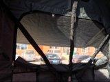 l'automobile di campeggio esterna 4WD schiocca in su la tenda del tetto