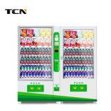 小型の飲み物および軽食のコンボの自動販売機