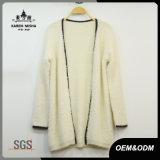 Maglione del cardigan della pelliccia di inverno delle donne con la zona di cuoio