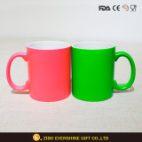 colore 11oz che cambia la tazza di caffè di ceramica per la mamma del papà