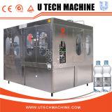 Het volledige Vullen van het Drinkwater/Bottelmachine/Lopende band