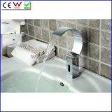 Ванной комнаты Faucet тазика крана датчика водопада холода конструкции Fyeer тазик Robinet новой только автоматической электрический