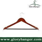 De hoogste Houten Hangers van de Kers voor met Antislip Gegroefte Staaf, het In het groot Rek van het Kostuum