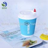 El uso de la bebida y las tazas del papel de empapelar del doble del estilo de la taza modificaron la taza de café para requisitos particulares de la insignia