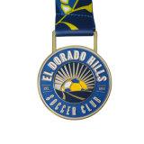 カスタムサッカー選手権のスポーツのリボンが付いている柔らかいエナメルの金属メダル