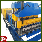 Metalldach, das Maschine bildet