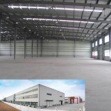 Taller de la estructura de acero prefabricados con pared de chapa de acero de color verde