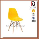 新しいデザイン赤い居間のプラスチックDswの椅子