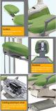 センサーランプの医療機器が付いている病院の調節可能な歯科椅子