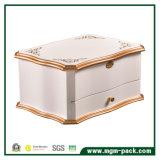 Лоснистая отраженная деревянная коробка хранения ювелирных изделий с ящиком