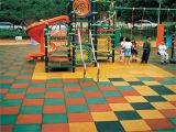 De Bevloering van het gymnasium, de RubberBevloering van de Speelplaats, Met elkaar verbindende RubberTegels