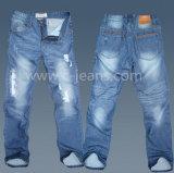 El hombre está rota efecto Jeans vaqueros de mezclilla de moda