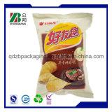 포장하는 감자 칩 또는 감자 조각 부대 또는 플라스틱 감자 칩 부대