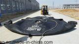 空気のゴム製フェンダーを浮かべるSts操作