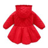 子供の衣服のためのBowknotの女の子Winteraラインコート