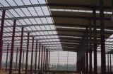 Fabbricato industriale chiaro prefabbricato della struttura d'acciaio