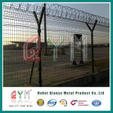Galvanzied와 PVC Coated Security Welded Mesh Airport Fence