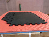 スリップ防止無毒な連結の体操の床のマット、連結の練習のゴム製フロアーリング、適性のゴム製フロアーリング