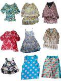La robe d'usager colorée de beauté a utilisé le vêtement/vêtements utilisés à vendre