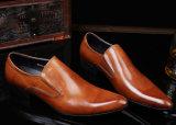 Zapatos de alineada de la manera de los hombres del cuero de patente de diseño de la tendencia