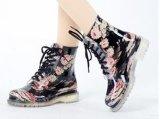 De populaire Schoenen van de Regen van de Vrouwen van de Stijl Transparante, de Transparante Schoenen van Dames, de Nieuwe Schoen van de Regen van pvc van de Manier Transparante