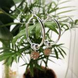 도매 실제적인 화이트 골드 도금 꽃 모양 금관 악기 형식 보석 귀걸이