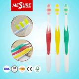 Toothbrush adulto por atacado de China com lingüeta Cleanner para a venda