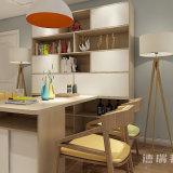 食堂の家具の食料貯蔵室の食器棚