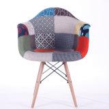 Wohnzimmer Eames Patchwork-Stühle