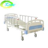 Sickroomの製品は販売のために2つのクランクの手動医学の病院用ベッドを使用した